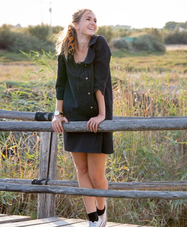 Robe noir 100% lin April & C fabriquée en France col à volant