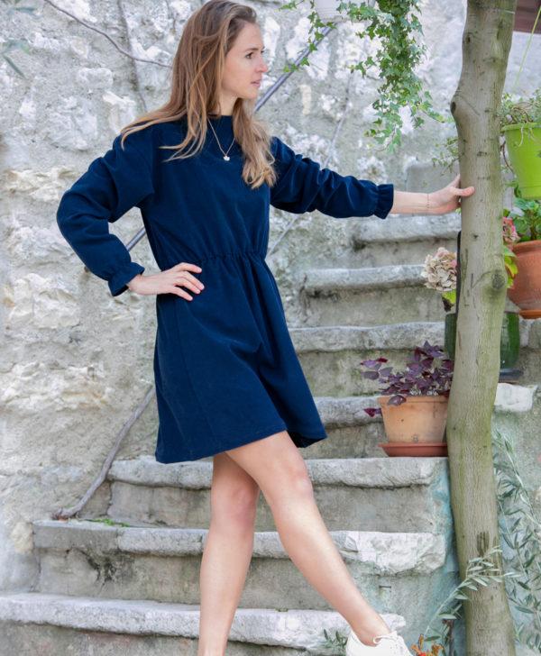 Robe femme bleu marine velours côtelé coton biologique GOTS fabriquee à la commande