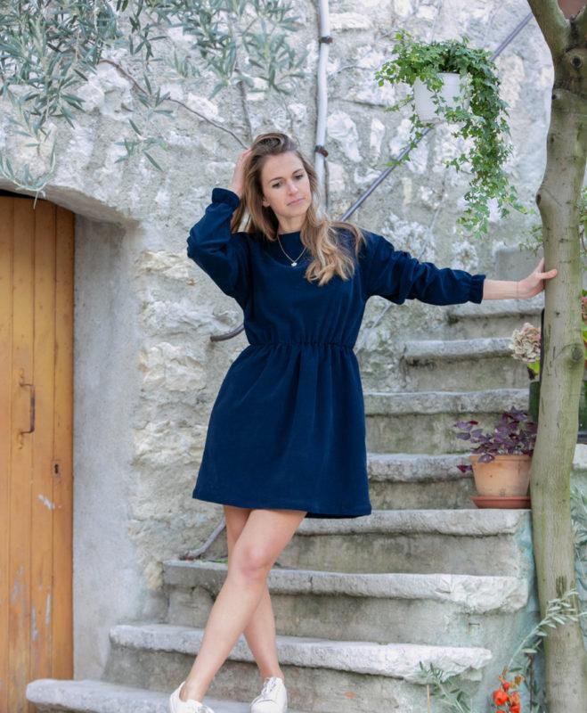Robe femme bleu marine velours côtelé coton biologique GOTS petites séries